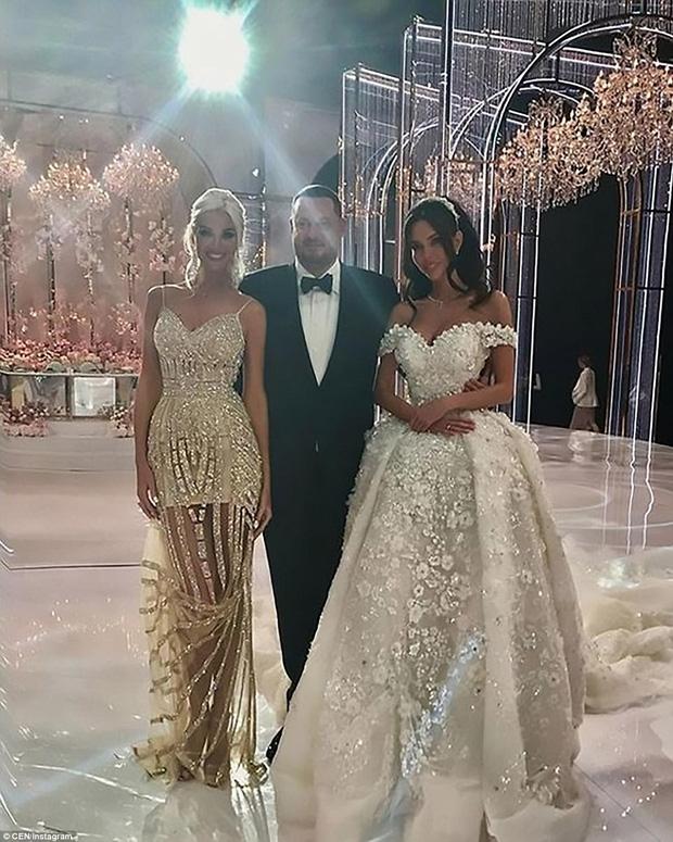 Đại gia Aleksey Shapovalov đã chính thức kết hôn với người mẫu Ksenia Tsaritsina trong 1 lễ cưới xa hoa ở Moscow, Nga.