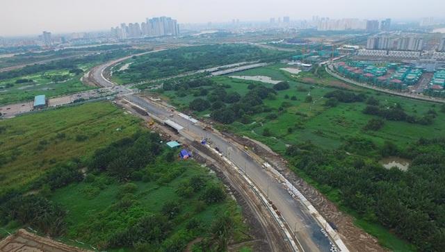 Lo áp lực nợ công, TP HCM tìm vốn nước ngoài xây dựng hạ tầng và đô thị - Ảnh 1.