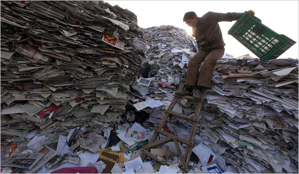 Trung Quốc cấm nhập khẩu rác và cơn đau đầu với ngành tái chế đầy lợi nhuận - Ảnh 2.