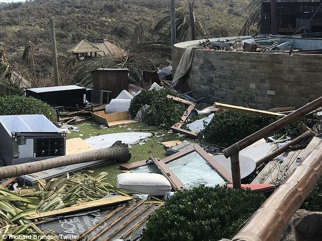 Nhà của tỷ phú Richard Branson tan tành vì siêu bão Irma - Ảnh 1.