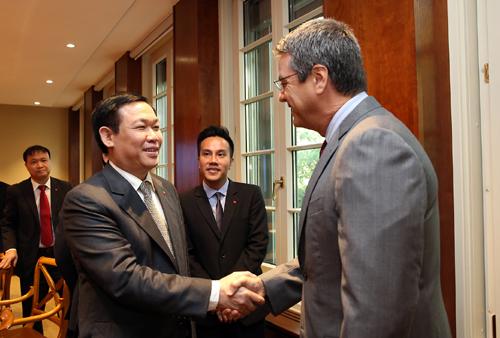 Việt Nam sẽ thực hiện đầy đủ các cam kết với WTO - Ảnh 1.