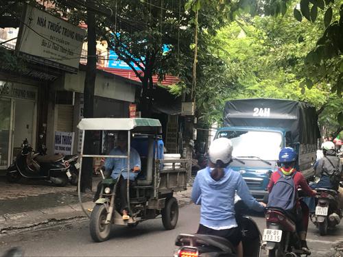 Hàng ngàn xe ba bánh hằng ngày vẫn đang chạy trên các con đường ở Hà Nội