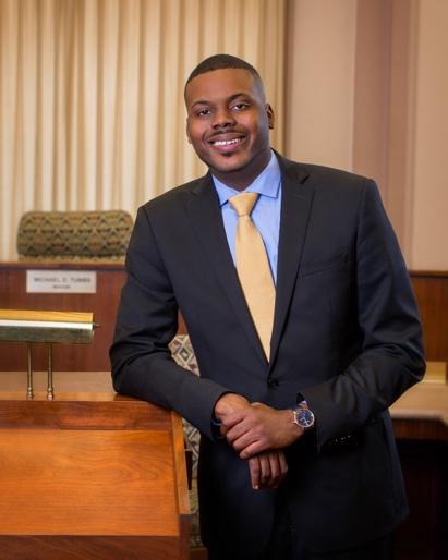 Mỹ: Thị trưởng 27 tuổi phát cho mỗi người dân 500 USD tiền mặt mỗi tháng - Ảnh 1.