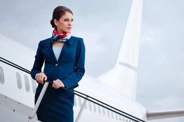 Nhiều ứng viên mới được tuyển dụng vào làm với hi vọng sẽ được thư giãn trên những chuyến bay đắt tiền đã nhanh chóng nhận ra thực tế phũ phàng của công việc này.
