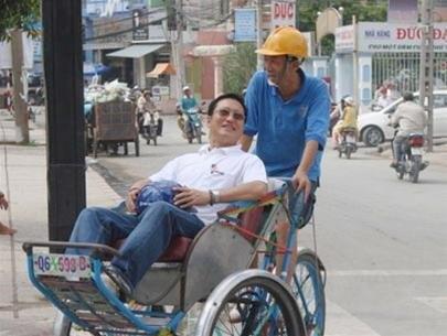 Từ người đạp xích lô đến thành viên Tổ tư vấn kinh tế Thủ tướng của TS. Trần Hoàng Ngân - Ảnh 1.