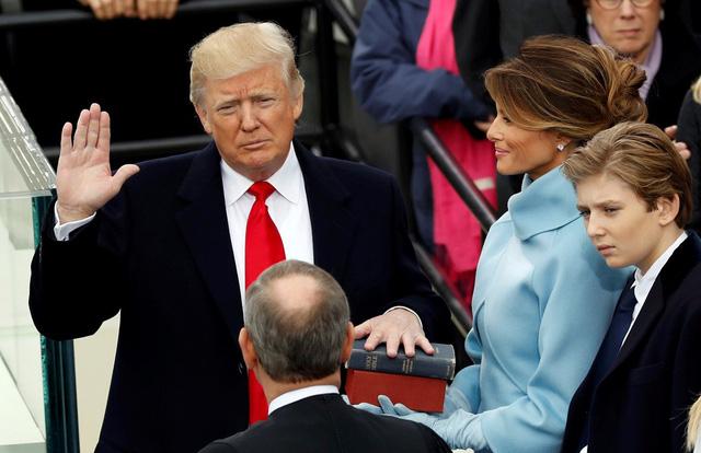 Bài diễn văn nhậm chức của tân Tổng thống Donald Trump: Pha trộn giữa nghệ thuật bán hàng và sự coi thường trật tự chính trị - Ảnh 1.