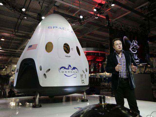 """Tỷ phú Elon Musk: """"Con người ai cũng có thất bại, quan trọng là cách đứng lên và vượt qua nó"""" - Ảnh 1."""