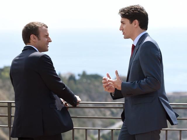 Cộng đồng mạng xôn xao vì những bức ảnh đẹp đến rụng tim của hai vị nguyên thủ tại Hội nghị G7 - Ảnh 1.