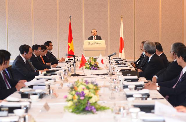 Thủ tướng đối thoại với các tập đoàn thành viên Keidanren, Nhật Bản - Ảnh 1.