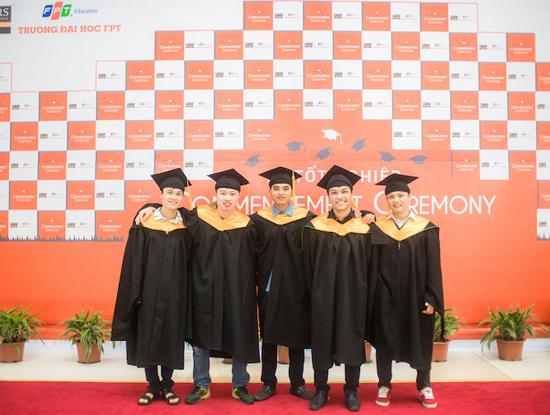 """""""Chê"""" thu nhập khởi điểm hơn 20 triệu đồng, sinh viên FPT mở công ty riêng - Ảnh 2."""