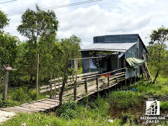 Nhiều dự án khu nghỉ dưỡng tại Phú Quốc lãnh đủ vì các núi rác  - Ảnh 1.