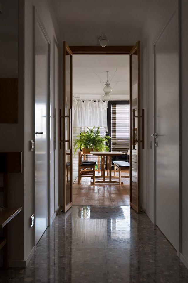 Căn hộ đẹp như mơ với cây xanh và nội thất gỗ - Ảnh 2.