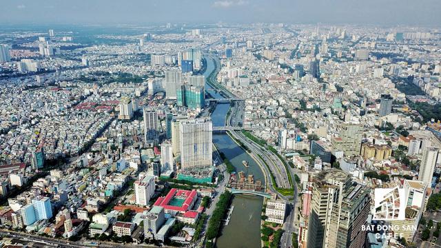 Bến Vân Đồn nhìn từ trên cao, hàng loạt chung cư cao cấp làm thay đổi diện mạo cung đường đắt giá bậc nhất Sài Gòn - Ảnh 1.