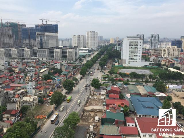 Cận cảnh tuyến đường 5km được mở rộng gấp đôi khiến hàng nghìn người mua nhà khu Tây Bắc Hà Nội mong ngóng - Ảnh 2.