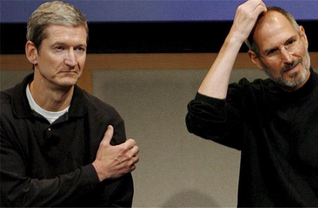 """Tim Cook: Tỏa sáng bằng tài năng chứ không phải """"cái bóng"""" của Steve Jobs - Ảnh 1."""