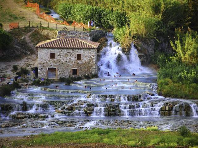 Khu nghỉ mát và sân golf sang trọng bậc nhất dành cho các kỳ nghỉ tại châu Âu  - Ảnh 1.