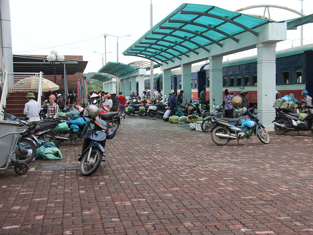 Hiu hắt tuyến các con phố sắt ế nhất Việt Nam - Ảnh 2.