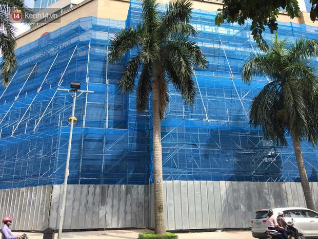Zara treo biển Opening Soon to đùng ở Vincom Bà Triệu, ngày khai trương đến gần lắm rồi - Ảnh 1.