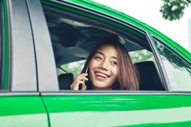 Hiệp hội Taxi Hà Nội kiến nghị dừng Uber, Grab - Ảnh 2.