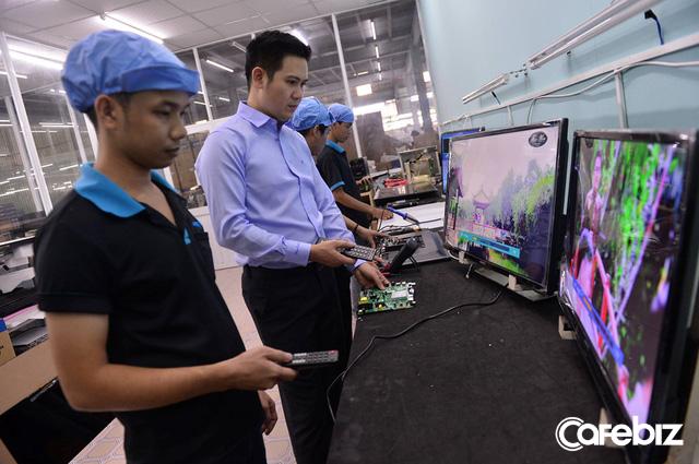 Không phải cứ hoành tráng đắt tiền là hay, chỉ cần rẻ và đẹp cũng đủ chiến thắng – Cách ông chủ Asanzo chiếm lấy 15% thị phần tivi Việt chỉ sau 3 năm - Ảnh 1.