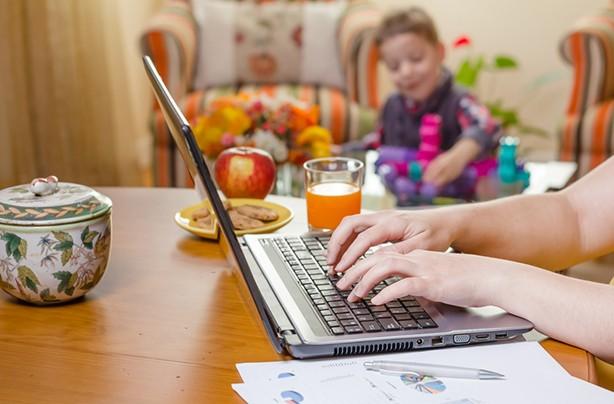 Nghiên cứu của đại học Harvard: Làm việc ở nhà năng suất và hạnh phúc hơn! - Ảnh 2.