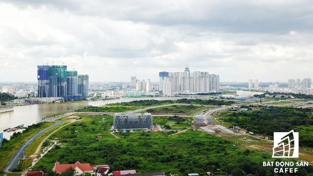 Dự án bất động sản cao cấp lớn thứ 2 của Vingroup tại Sài Gòn đang xây đến đâu? - Ảnh 2.