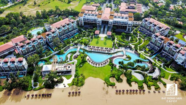 Toàn cảnh khu nghỉ dưỡng Laguna Lăng Cô đề xuất tăng vốn lên 2 tỷ USD làm casino nhìn từ trên cao - Ảnh 2.