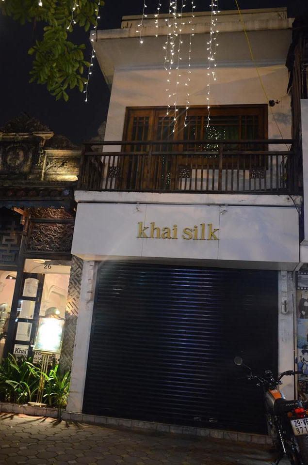 Khaisilk đồng loạt đóng cửa hàng: Không hẹn ngày tái xuất - Ảnh 2.