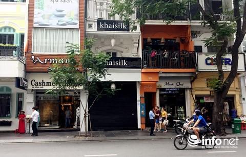 Quản lý thị trường TP.HCM tạm giữ nhiều sản phẩm tại 2 cửa hàng Khaisilk - Ảnh 1.