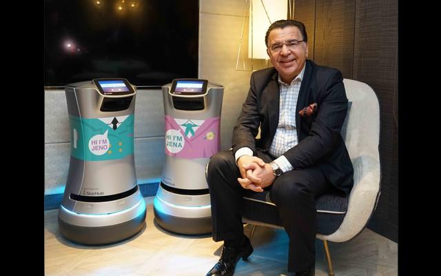 Trải nghiệm sự phục vụ chu đáo của robot tại khách sạn hạng sang ở Singapore  - Ảnh 2.