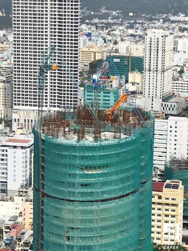 Cận cảnh dự án Panorama Nha Trang đang vướng tranh chấp với nhà thầu xây dựng số 1 Việt Nam Coteccons - Ảnh 2.