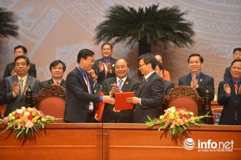 Thủ tướng Nguyễn Xuân Phúc chứng kiến lễ ký kết Nghị quyết liên tịch giai đoạn 2017-2022 giữa Chính phủ và Trung ương Đoàn.
