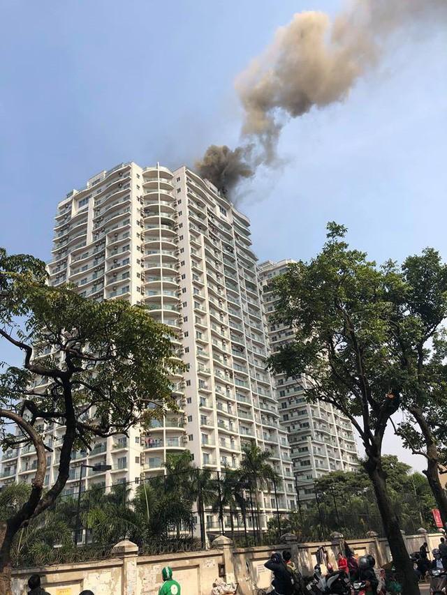 Hà Nội: Cháy lớn ở chung cư đẳng cấp Golden Westlake Hồ Tây - Ảnh 2.