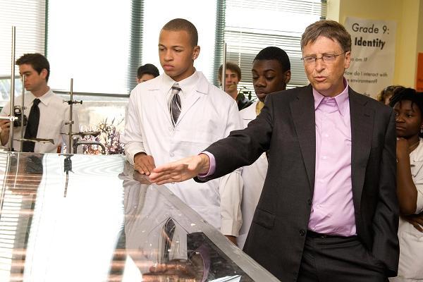 Tỷ phú Bill Gates: Những người có thành thạo 3 kỹ năng này sẽ thành công trong thị trường việc làm tương lai - Ảnh 1.