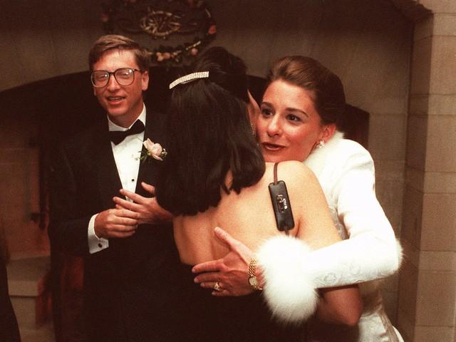 Điều bất ngờ trong lễ cưới của những người nổi tiếng, giàu có nhất thế giới như Bill Gates, Warren Buffett, Beyonce... - Ảnh 2.
