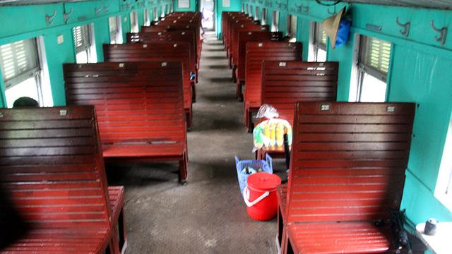 Hiu hắt tuyến các con phố sắt ế nhất Việt Nam - Ảnh 11.