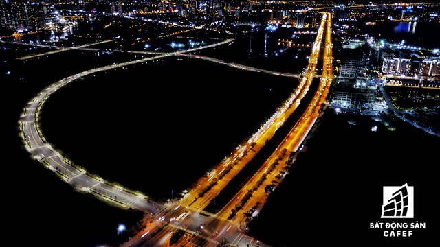 Ảnh: Nhiều cao ốc, khu đô thị mới rực rỡ về đêm khiến trung tâm Sài Gòn đẹp lung linh, huyền ảo - Ảnh 12.