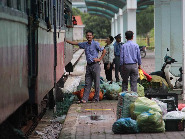 Hiu hắt tuyến các con phố sắt ế nhất Việt Nam - Ảnh 12.