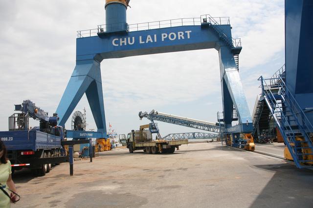 Cảng Chu Lai có khả năng tiếp nhận tàu có trọng tải đến 20.000 DWT. Công suất khai thác của cảng là 3 triệu tấn hàng rời tổng hợp.