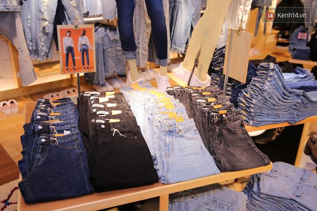 Pull&Bear Việt Nam: Giá rẻ hơn Thái Lan, áo phông giá từ 149.000 đồng, quần jeans từ 699.000 đồng - Ảnh 14.