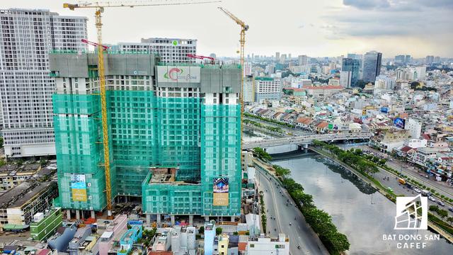 Bến Vân Đồn nhìn từ trên cao, hàng loạt chung cư cao cấp làm thay đổi diện mạo cung đường đắt giá bậc nhất Sài Gòn - Ảnh 14.