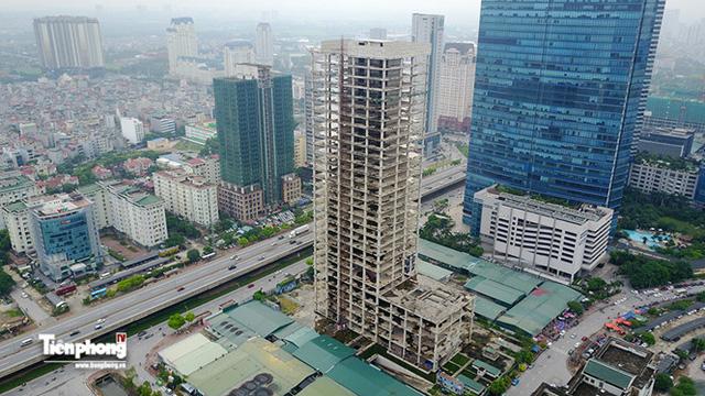 Tháp nghìn tỷ bỏ hoang trên đường vành đai 3 Hà Nội - Ảnh 18.