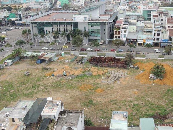 Dự án Viễn Đông Meridian Tower 48 tầng giờ cũng chỉ là bãi đất trống.