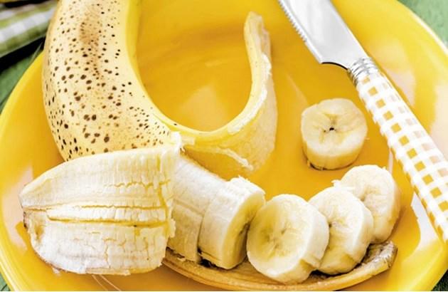 Mặc dù ăn chuối rất tốt nhưng với những người có tiền sử đau dạ dày thì cần hạn chế ăn chuối tiêu.