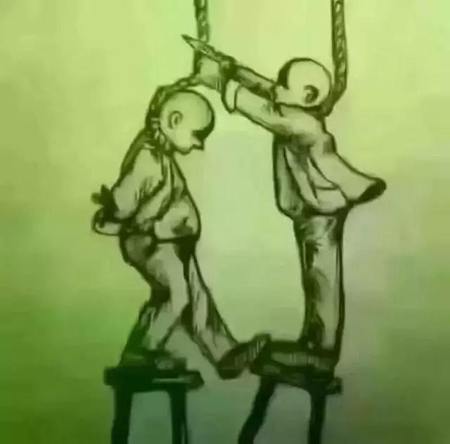 Bạn giúp người ta cắt dây thừng, người ta lại đạp ghế dưới chân bạn.