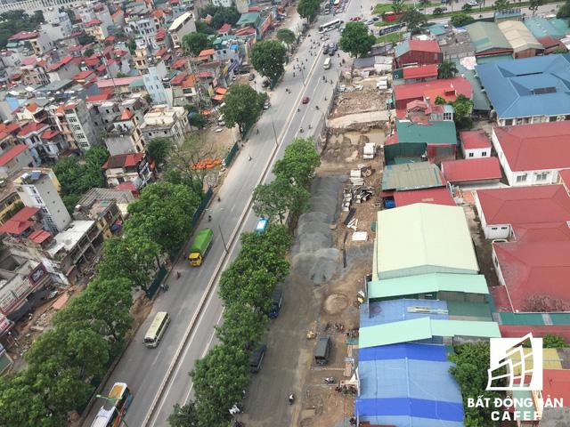 Cận cảnh tuyến đường 5km được mở rộng gấp đôi khiến hàng nghìn người mua nhà khu Tây Bắc Hà Nội mong ngóng - Ảnh 3.