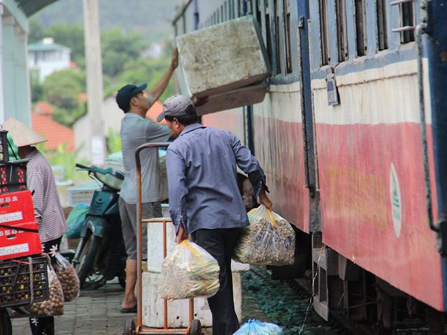Hiu hắt tuyến các con phố sắt ế nhất Việt Nam - Ảnh 3.
