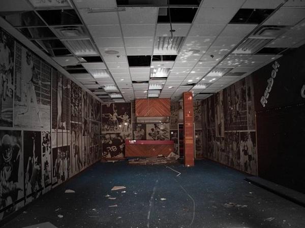 Thương mại điện tử lên ngôi, vô số trọng điểm thương mại Mỹ bị bỏ hoang - Ảnh 3.