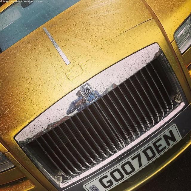 Bạn có thể sở hữu siêu xe Rolls-Royce mạ vàng với giá rẻ bất ngờ nếu thanh toán bằng bitcoin - Ảnh 3.