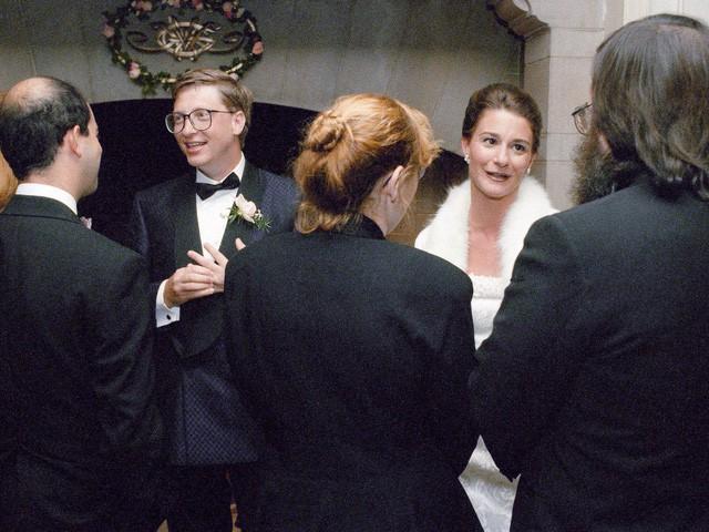 Điều bất ngờ trong lễ cưới của những người nổi tiếng, giàu có nhất thế giới như Bill Gates, Warren Buffett, Beyonce... - Ảnh 3.